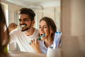 Cuidados com a saúde bucal durante as férias por Maíra Sabato Knirsch