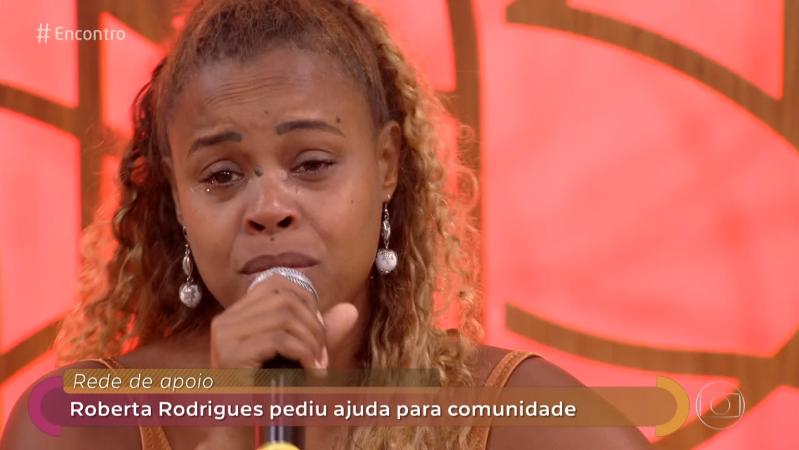 """Atriz da Globo desabafa e chora no Encontro ao relatar drama de amigos: """"Não temos direitos"""""""