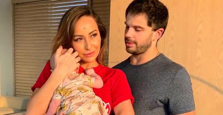 Após nascimento de Zoe, Sabrina Sato reclama que não tem mais tempo para namorar com Duda Nagle