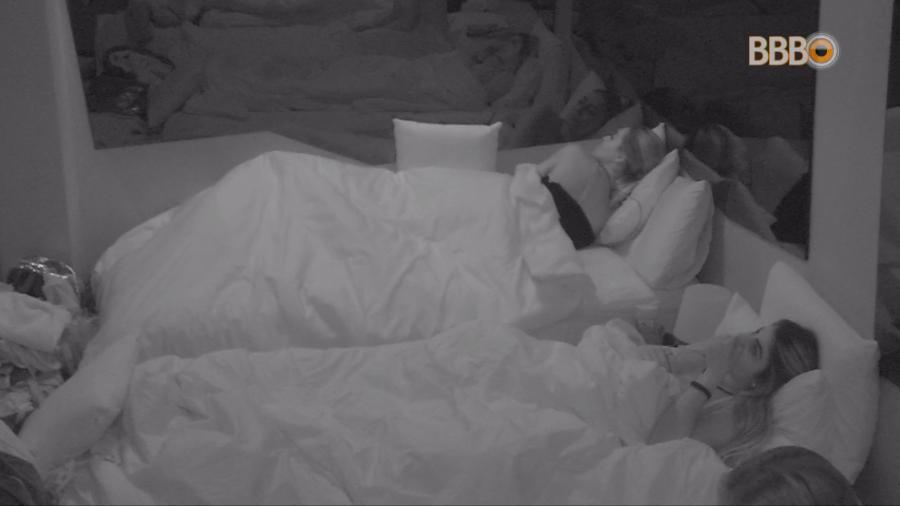 """BBB19: Paula tem sonho erótico com Diego e fica revoltada com o desfecho: """"não chegou nos finalmente"""""""