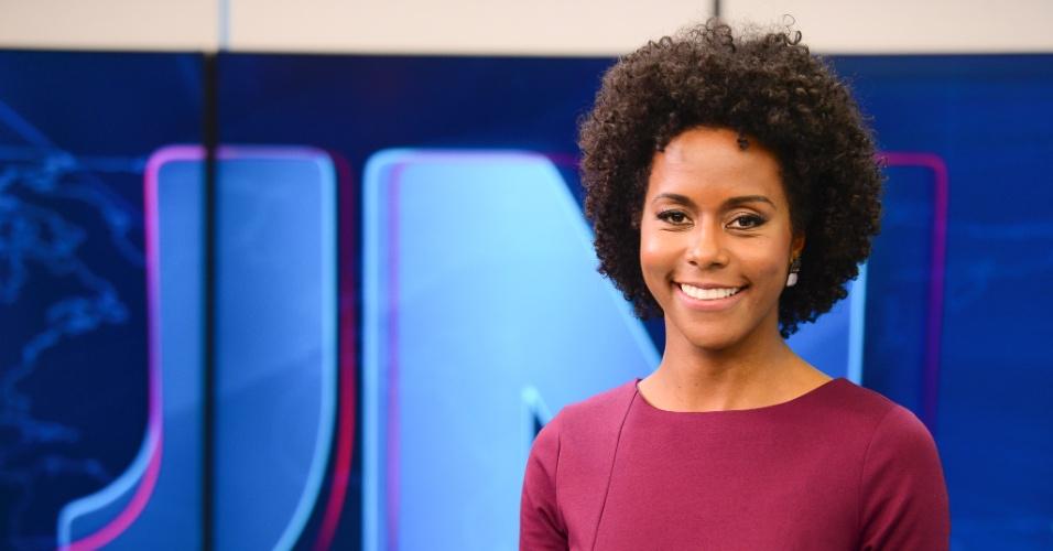 Globo fura fila de profissionais e promove Maju, primeira mulher negra, na bancada do Jornal Nacional