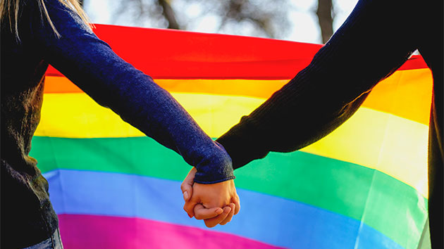 Atrizes da Globo cobram governo a favor da comunidade LGBTQ+