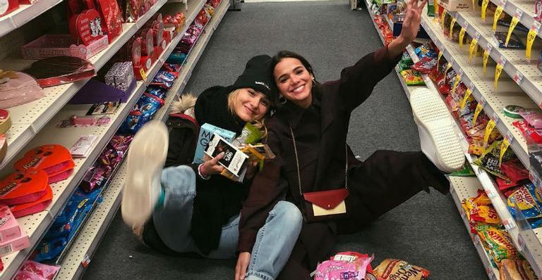 Amigas de infância, Sasha Meneghel e Bruna Marquezine fazem a festa em NY