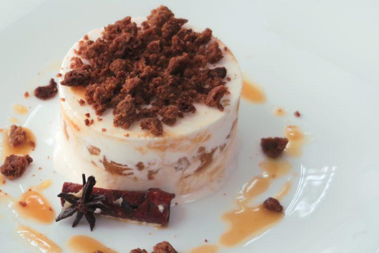 Escondidinho de sorvete de coco com abacaxi por Felipe Ibarrech