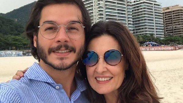Túlio Gadelha deixa parte íntima à mostra e fãs de Fátima Bernardes ficam em choque com o tamanho
