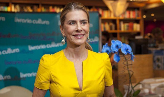 Emocionada, Maitê Proença relembra momento impactante com Ricardo Boechat e surpreende na web