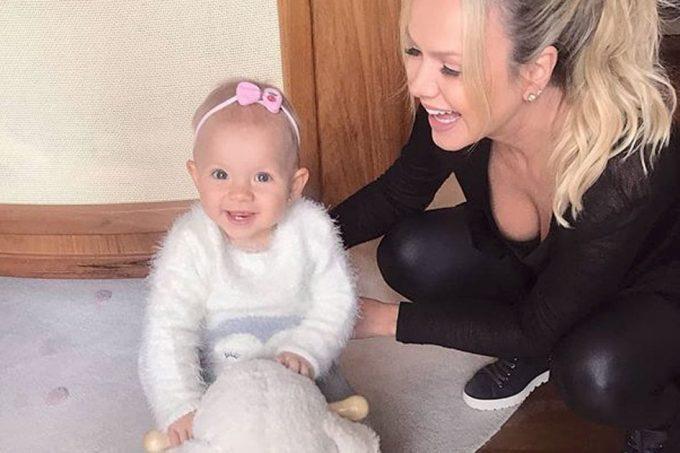 Em clique raro, Eliana aparece com a filha Manu e encanta seguidores