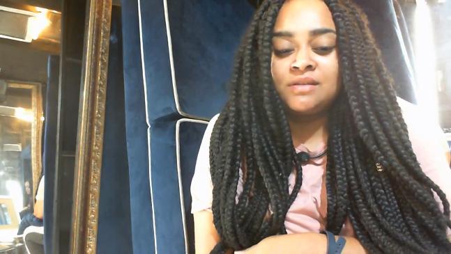 BBB19: Rízia desabafa após chorar e pede ajuda para não desistir do programa