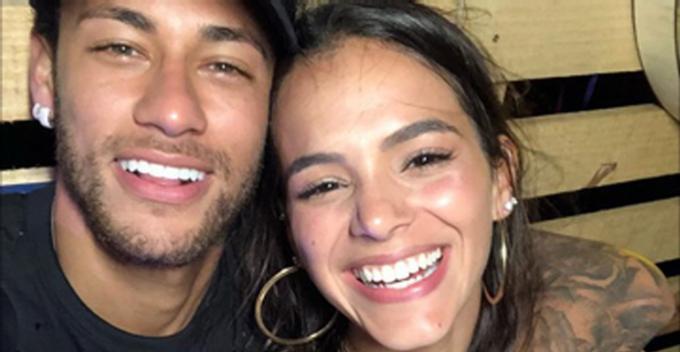 Bruna Marquezine e Neymar dão sinais que estão reatando o relacionamento