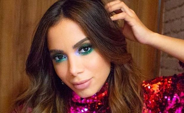Cantora apontada como rival de Anitta virá ao Brasil para curtir o Carnaval