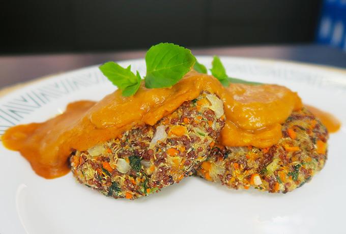 Hambúrguer de quinoa do chef Felipe Nonato