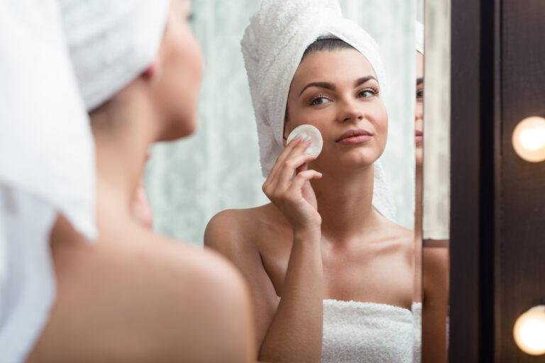 Cuidados com a pele antes e pós maquiagem