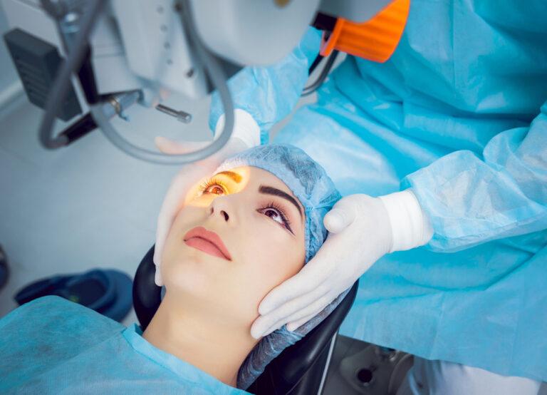 Catarata: Cirurgia indicada e tipos de lentes