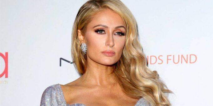 Paris Hilton fala demais, entrega que já namorou com Miley Cyrus e conta detalhes íntimos