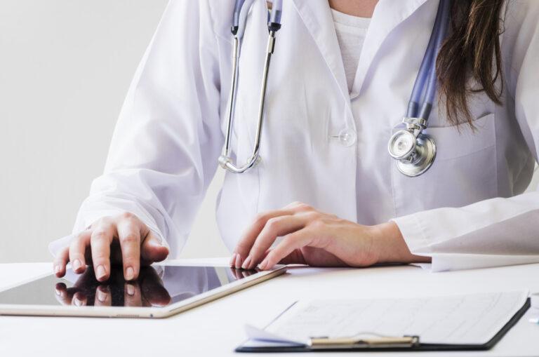 O que é herpes genital? por Dra. Célia Beatriz