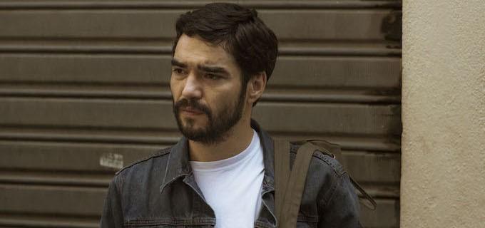 Acusado de assédio e surrado pelo público, Caio Blat é flagrado em discussão acalorada com Adriana Esteves