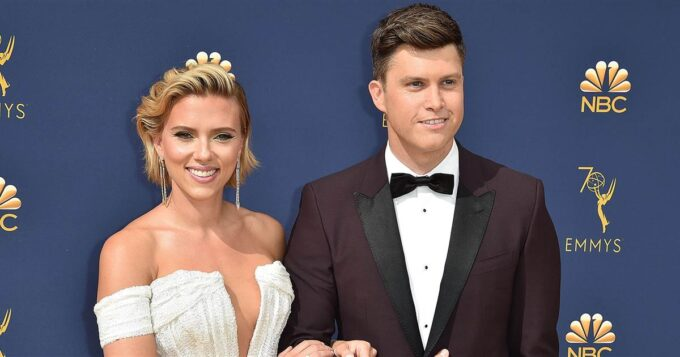 Scarlett Johansson fica noiva de Colin Jost e deatlhes vem à tona