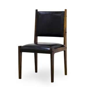 RODRIGUES, Sérgio<br>Cadeira – Variação da Cadeira Ilídio<br>jacarandá maciço, com assento e encosto forrado em couro<br>92 x 48 x 47 cm