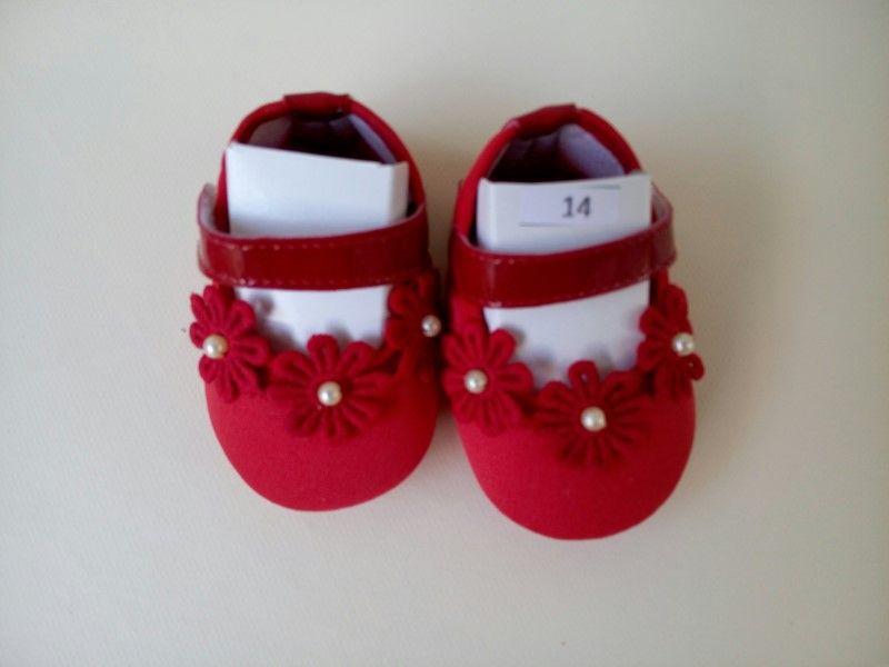 Sapatinho de Bebê - menina - n. 14  (01 a 02 meses) Customizado