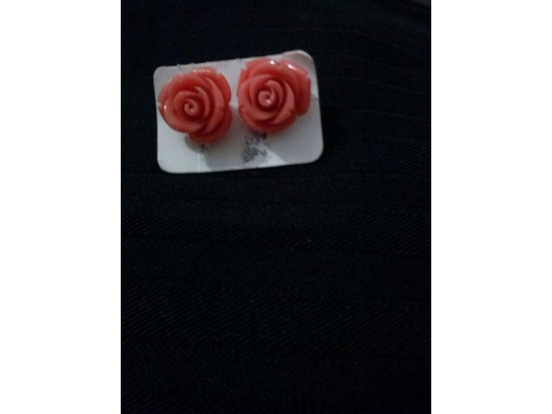 Brinco de prata, modelo rosa  coral