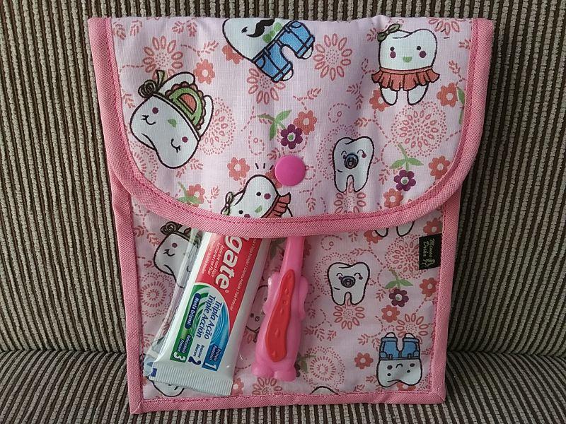 Case em tecido com bolso plástico ,para higiene bucal
