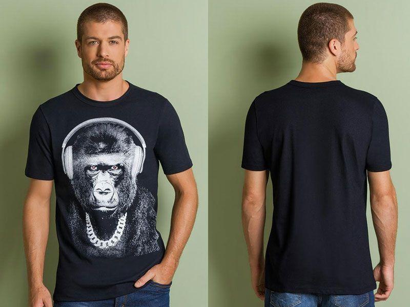Camiseta Preta Decote Redondo e Estampa Frontal