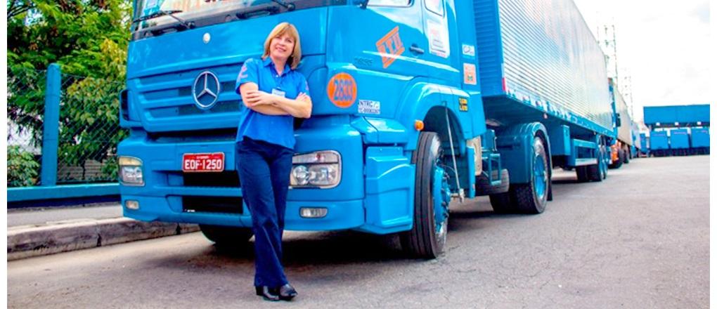 A transportadora paulista já tem 115 motoristas mulheres no comando de veículos leves e caminhões pesados e extrapesados