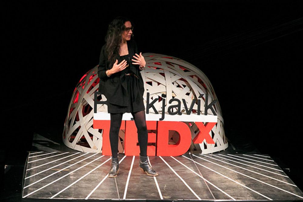 O palco do Ted Talk com a Ray