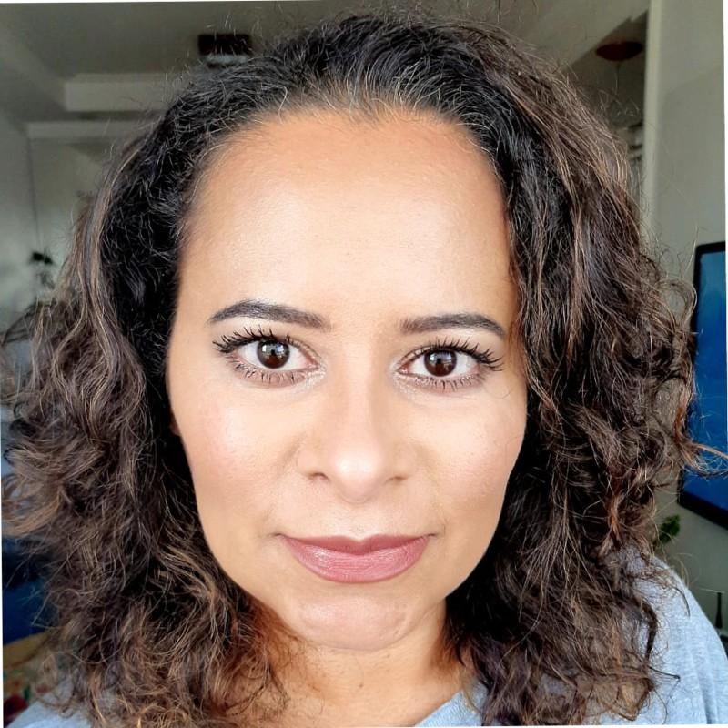 Elaine Carvalho