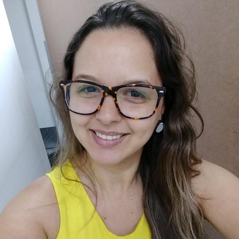 Larissa Naques Melo