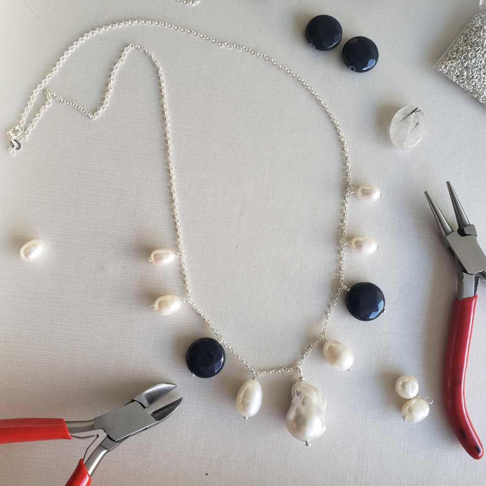 Colar Médio 7 Pérolas Barrocas Jade Lisa Azul em Prata 925 Feito à Mão