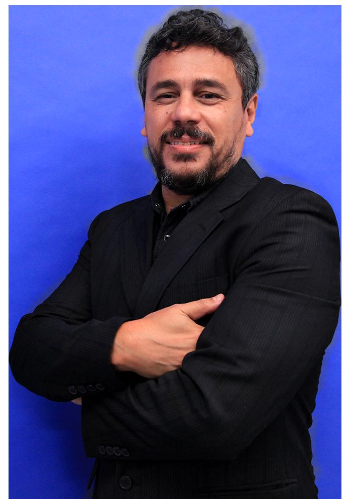 Prof(a). Alexandre Luz