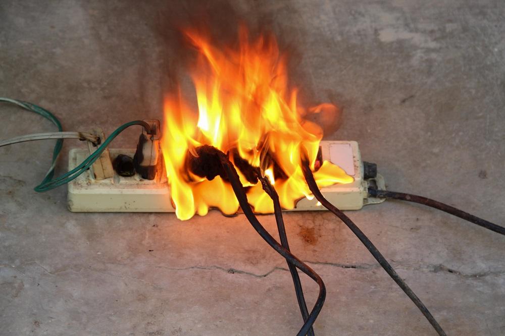 manutenção elétrica, sobrecarga elétrica