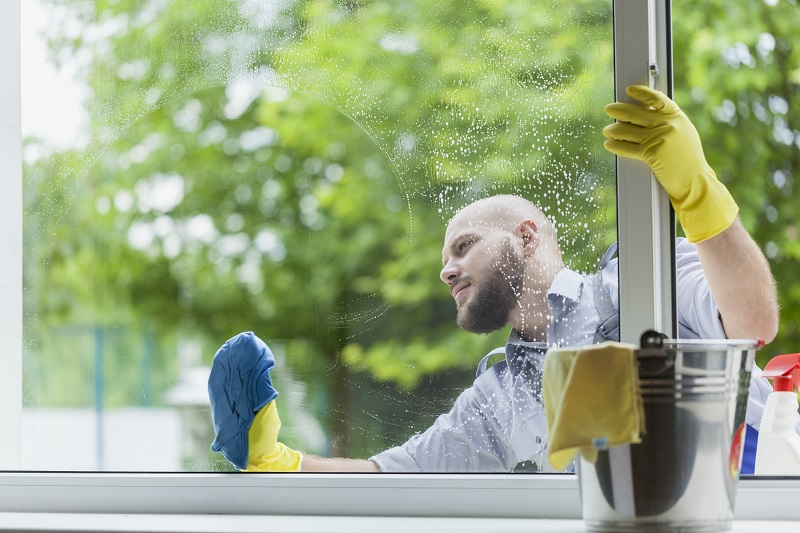 como limpar vidros, como limpar vidros com movimentos circulares