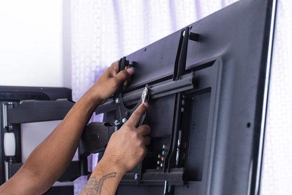 como colocar suporte para tv, como fixar tv na parede