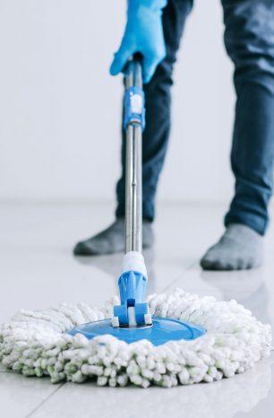 Limpeza de piso: como limpar porcelanato e outros tipos de piso