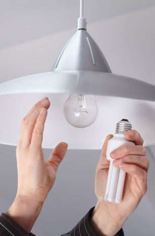 Como economizar energia em casa? Descubra tudo que você precisa saber!