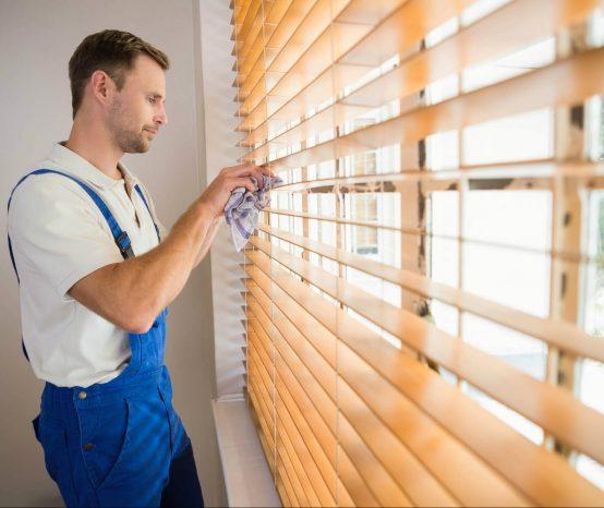 Aprenda como limpar diferentes tipos de persianas com dicas infalíveis!