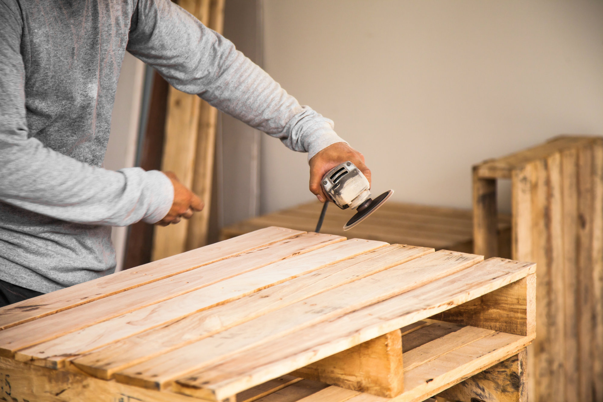 Como fazer mesa de madeira aprenda a fazer 4 modelos diy for Como criar peces ornamentales en casa