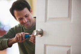 como consertar fechadura, como consertar miolo da fechadura, como arrumar fechadura, porta não abre
