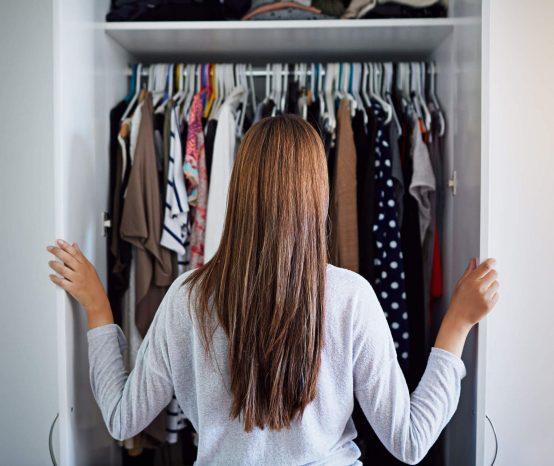 Você sabe como organizar guarda-roupa? Temos várias dicas para te ajudar!