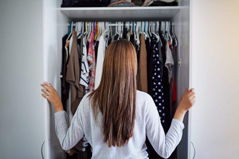 como organizar guarda roupa, como organizar closet, organização de guarda roupa