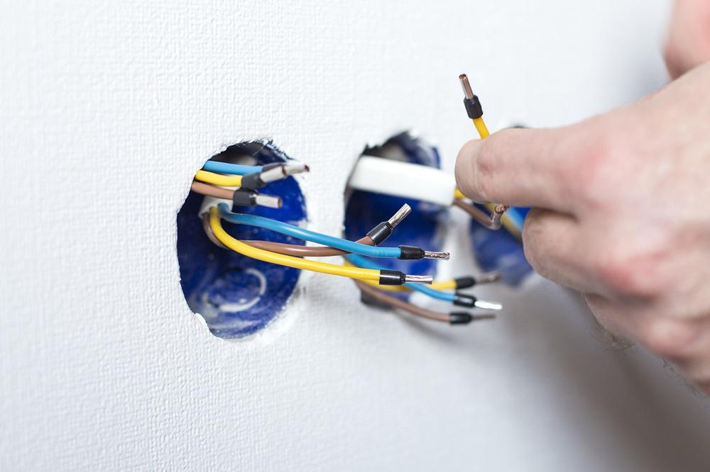 manutenção elétrica, eletricista de manutenção, manutenção corretiva