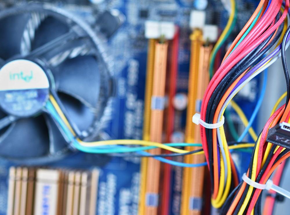 manutenção elétrica, eletricista de manutenção, manutenção elétrica corretiva