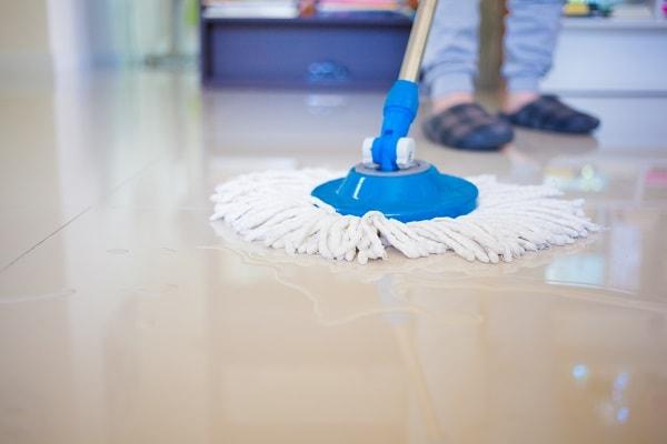como limpar porcelanato, limpeza de porcelanato, como tirar mancha de porcelanato
