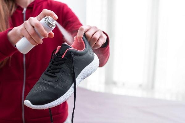 como limpar sapato, como limpar sapato de camurça, como limpar sapato de couro, como limpar sapato de verniz, como limpar sapato de veludo