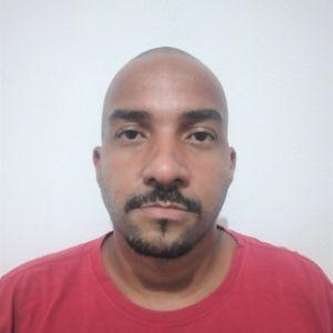 Profissional Adilson Modesto Victor Júnior