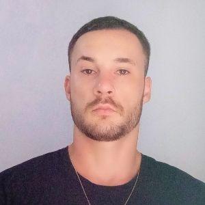 Profissional Jones Marcos Machado