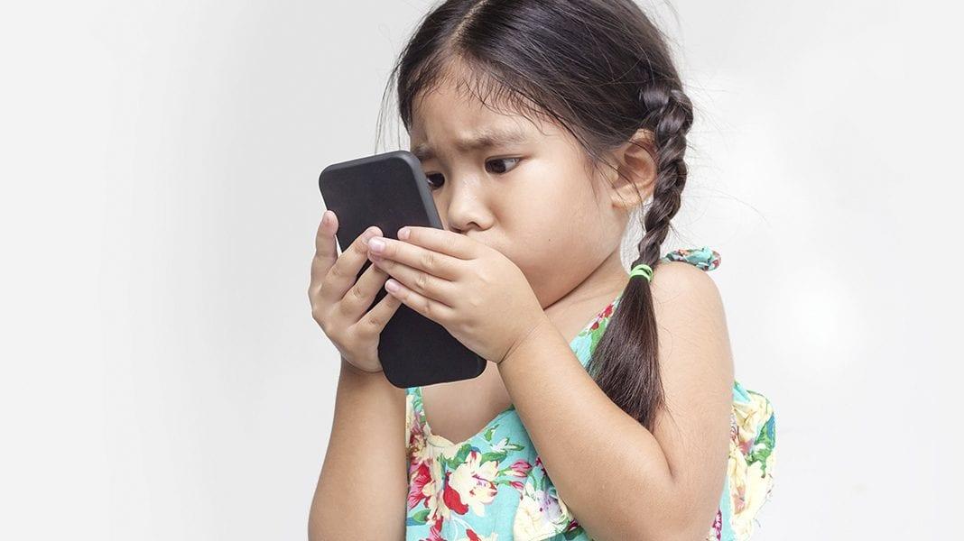 foto-criancas-e-adolescentes-na-internet