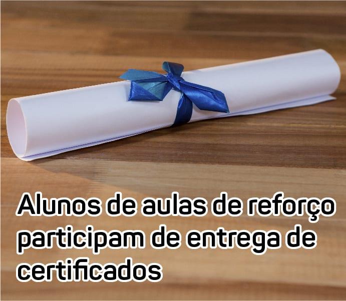 foto-entrega-de-certificados-inst